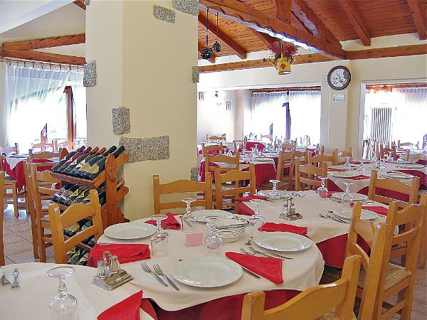 hotel-vecchia-america-restaurant-folgarida-skirama-dolomiti-wintersport-italie-ski-snowboard-raquettes-schneeschuhlaufen-langlaufen-wandelen-interlodge.jpg