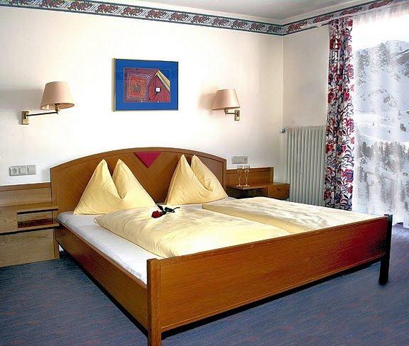 hotel-sudtirol-slaapkamer-obertauern-wintersport-oostenrijk-ski-snowboard-raquette-schneeschuhlaufen-langlaufen-wandelen-interlodge.jpg
