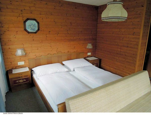 kamer-pension-erlerhof-ried-im-zillertal-wintersport-interlodge.jpg