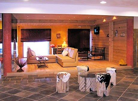 receptie-chalet-des-neiges-la-cime-des-arcs-arc-2000-paradiski-wintersport-frankrijk-ski-snowboard-raquettes-langlauf-wandelen-interlodge.jpg