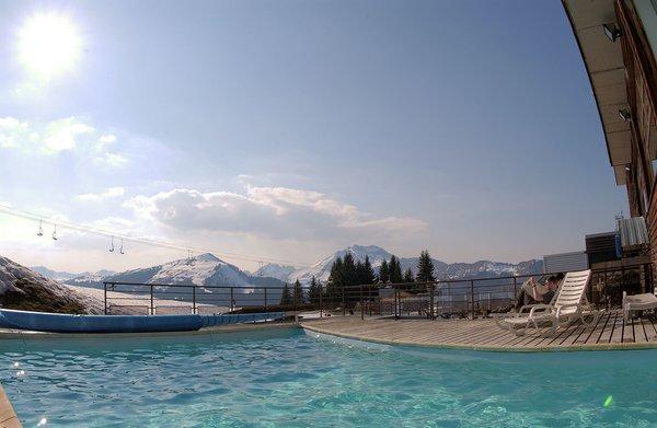 hotel-le-viking-zwembad-morzine-portes-du-soleil-interlodge.jpg