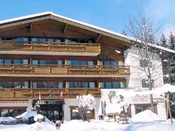 buitenkant-parkhotel-kirchberg-wintersport-interlodge.jpg