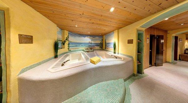 jacuzzi-hotel-tyrol-soll-am-wilden-kaiser-wintersport-interlodge.jpg