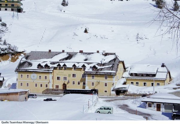 buitenkant-hotel-tauernhaus-wisenegg-obertauern-wintersport-oostenrijk-interlodge.jpg