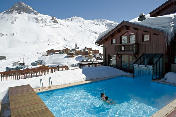 zwembad-hotel-village-montana-tignes-le-lac-espace-killy-frankrijk-wintersport-ski-snowboard-raquettes-schneeschuhlaufen-langlaufen-wandelen-interlodge.jpg