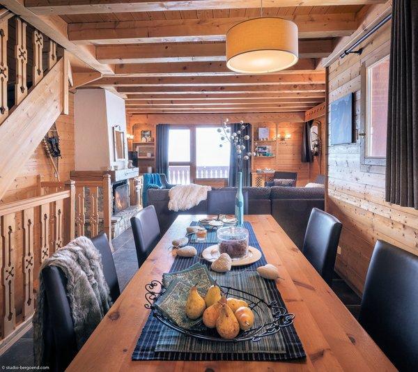 residence-montagnettes-lombarde-woonkamer-val-thorens-les-trois-vallees-wintersport-frankrijk-interlodge.jpg