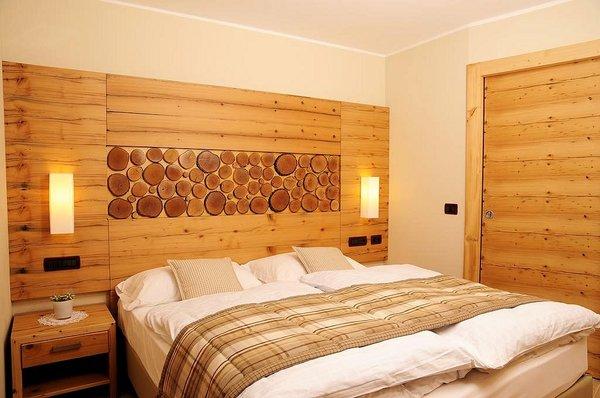 slaapkamer-marisol-mezzana-skirama-dolomiti-wintersport-italie-interlodge