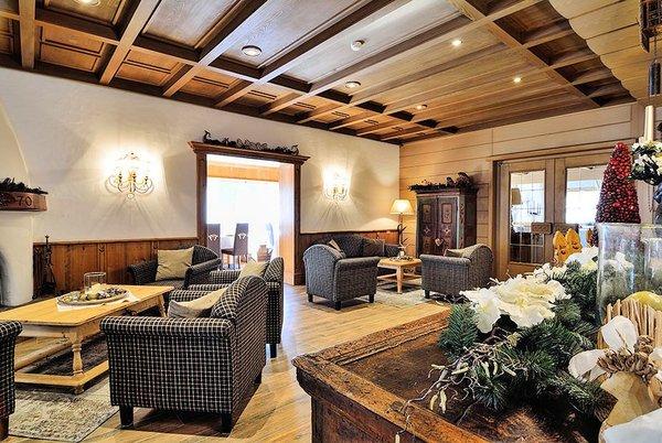 lounge-hotel-pralong-selva-wolkenstein-dolomiti-superski-wintersport-italie-interlodge