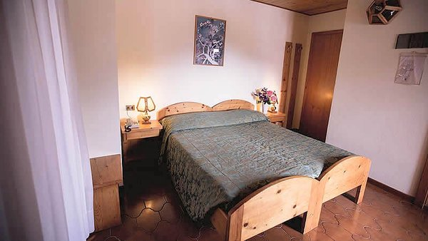 standaardkamer-albergo-dimaro-wintersport-italie-interlodge