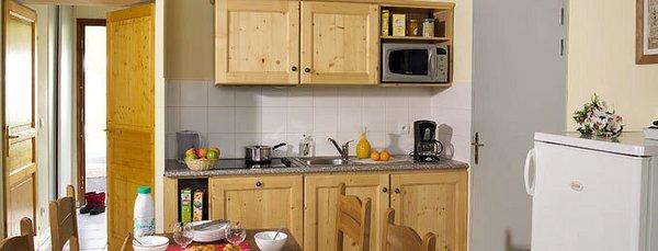 interieur-keuken-les-chalets-de-la-fontaine-st-jean-d-arves-les-sybelles-interlodge.jpg