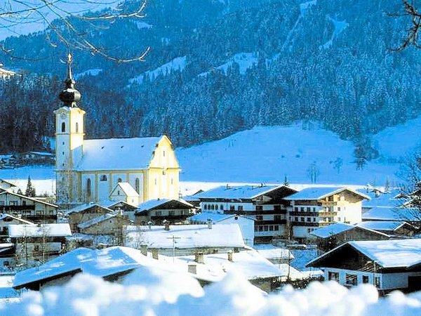 kerk-soll-skiwelt-wilder-kaiser-wintersport-oostenrijk