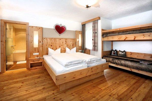 hotel-waldhof-slaapkamer-oetz-wintersport-oostenrijk.jpg
