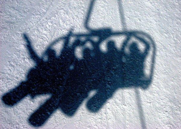 schaduw-boarders-alpe-d-huez-grandes-rousses-frankrijk-wintersport-ski-snowboard-raquette-schneeschuhlaufen-langlaufen-wandelen-interlodge.jpg