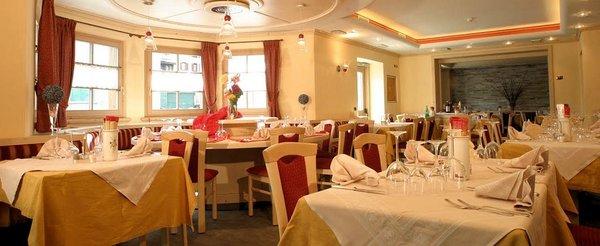 hotel-cristallo-restaurant-livigno-wintersport-italie-ski-snowboard-raquettes-schneeschuhlaufen-langlaufen-wandelen-interlodge.jpg