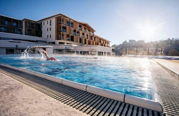 sportresort-hohe-salve-zwembad-hopfgarten-skiwelt-wilder-kaiser-wintersport-oostenrijk-interlodge
