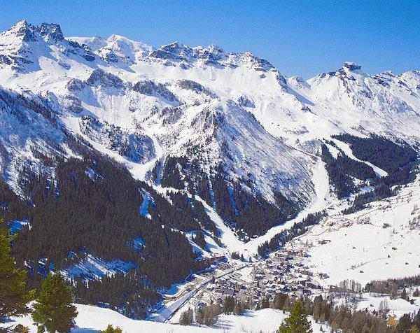 vallei-met-arabba-dolomiti-superski-wintersport-italie-ski-snowboard-raquettes-schneeschuhlaufen-langlaufen-wandelen-interlodge.jpg