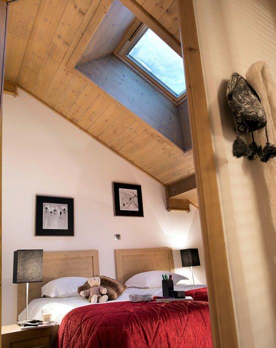 residence-les-chalets-de-flambeau-slaapkamer-zolder-val-cenis-vanoise-wintersport-frankrijk-ski-snowboard-raquettes-schneeschuhlaufen-langlaufen-wandelen-interlodge.jpg