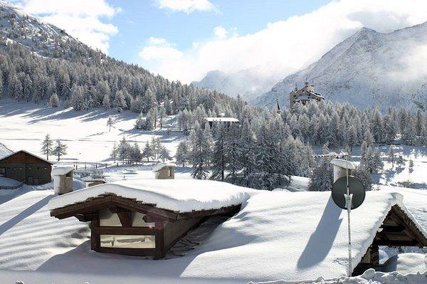 uitzicht-sestriere-via-lattea-italie-wintersport-ski-snowboard-raquettes-schneeschuhlaufen-langlaufen-wandelen-interlodge.jpg