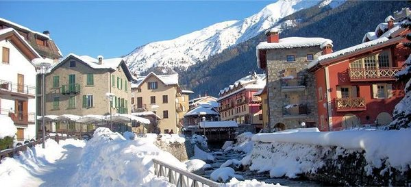 1-dorp-valtournenche-aosta-wintersport-italie-interlodge.jpg