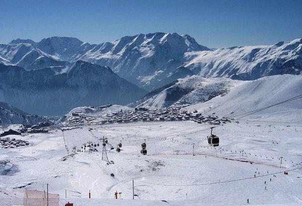 liften-alpe-d-huez-grandes-rousses-wintersport-frankrijk-ski-snowboard-raquettes-langlaufen-wandelen-interlodge.jpg