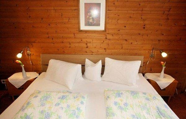 slaapkamer-gasthof-hamberg-hart-im-zillertal-wintersport-interlodge.jpg