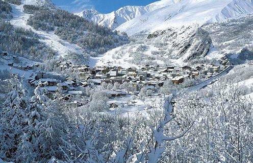 dorp-valloire-domaine-galibier-thabor-wintersport-frankrijk-ski-snowboard-raquettes-langlaufen-wandelen-interlodge.jpg
