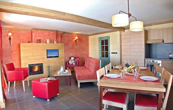 residence-montana-airelles-woonkamer-tignes-le-lac-espace-killy-frankrijk-wintersport-ski-snowboard-raquettes-schneeschuhlaufen-langlaufen-wandelen-interlodge.jpg
