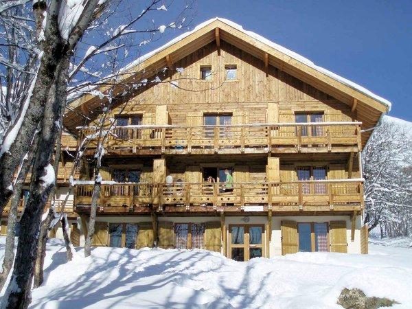 buitenkant-les-chalets-de-la-porte-des-saisons-saint-sorlin-d-arves-wintersport-frankrijk-ski-snowboard-raquettes-schneeschuhlaufen-langlaufen-wandelen-interlodge.jpg