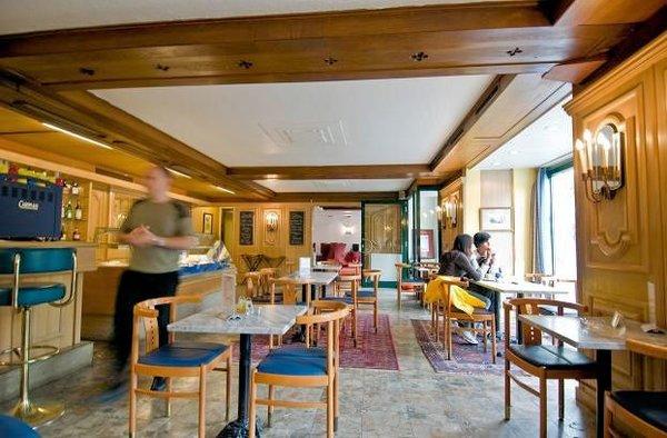 bar-hotel-elisabethpark-bad-gastein-ski-amade-wintersport-oostenrijk-interlodge