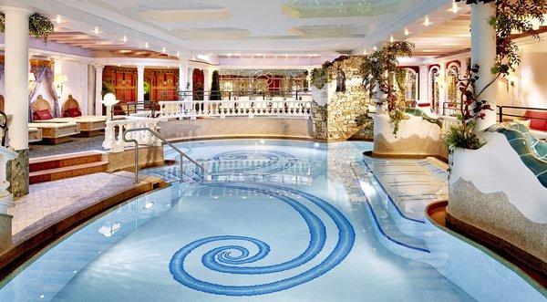 zwembad-hotel-neue-post-mayrhofen-hochzillertal-wintersport-oostenrijk-interlodge.jpg