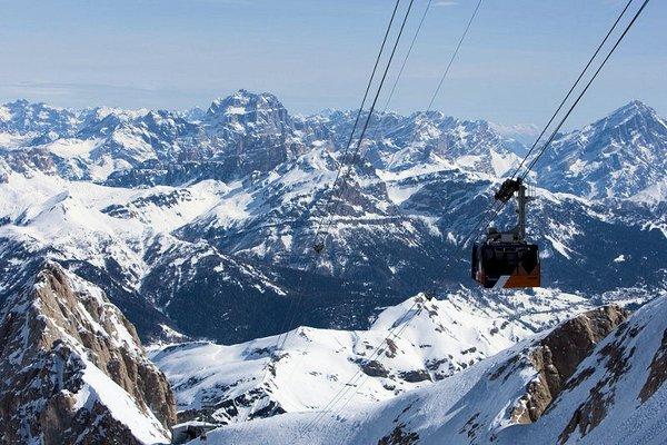 punta-rocca-cabine-marmolada-dolomiti-super-ski-wintersport-italie-ski-snowboard-raquettes-schneeschuhlaufen-langlaufen-wandelen-interlodge.jpg
