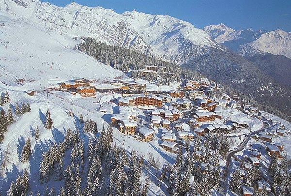 dorp-la-rosiere-panorama-espace-san-bernardo-wintersport-frankrijk-ski-snowboard-raquettes-schneeschuhlaufen-langlaufen-wandelen-interlodge.jpg
