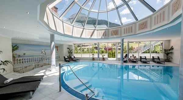zwembad-hotel-regina-solden-otztal-wintersport-interlodge.jpg