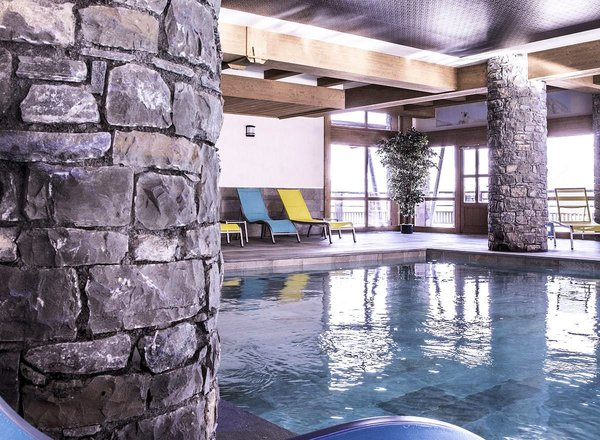 zwembad-residence-leana-les-carroz-le-grand-massif-wintersport-ski-snowboard-langlauf-interlodge.jpg