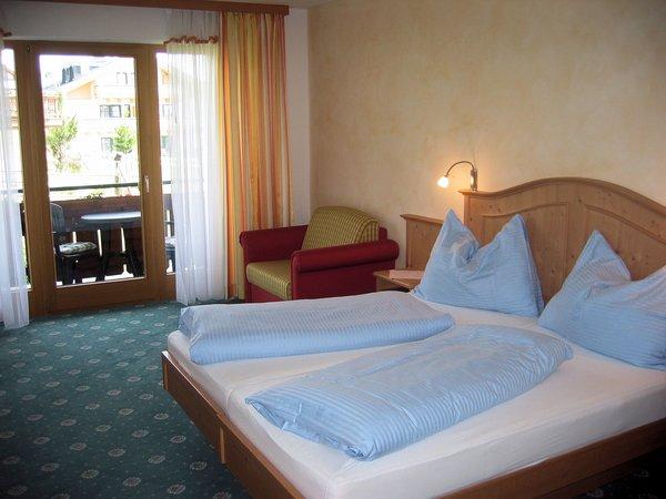 hotel-konigsleiten-komfortzimmer-pinzgau-konigsleiten-zillertal-arena-wintersport-oostenrijk-ski-snowboard-langlauf-raquettes-schneeschuhlaufen-wandelen-interlodge.jpg