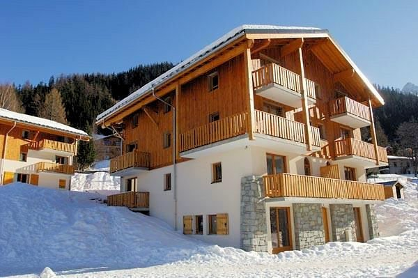 exterieur-les-chalets-de-la-ramoure-valfrejus-frankrijk-wintersport-ski-snowboard-raquettes-schneeschuhlaufen-langlaufen-wandelen-interlodge.jpg