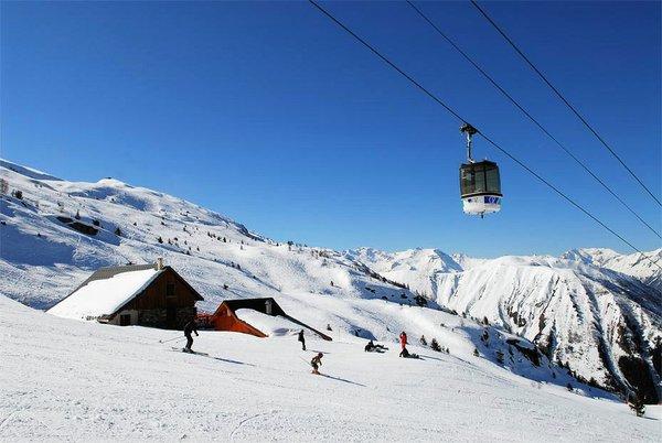cabine-oz-en-oisans-grandes-rousses-wintersport-frankrijk-ski-snowboard-raquettes-langlauf-wandelen-interlodge.jpg