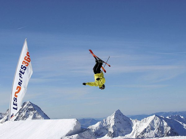 les-deux-alpes-skier-freestyle-frankrijk-wintersport-ski-snowboard-raquette-schneeschuhlaufen-langlaufen-wandelen-interlodge.jpg