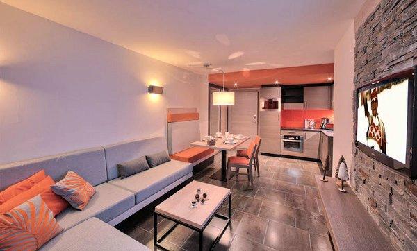 residence-montana-plein-sud-woonkamer-appartement-val-thorens-les-trois-vallees-wintersport-frankrijk-interlodge.jpg