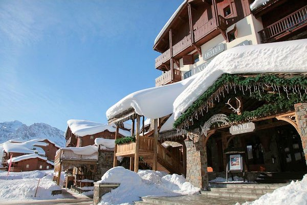 entree-hotel-village-montana-tignes-le-lac-espace-killy-frankrijk-wintersport-ski-snowboard-raquettes-schneeschuhlaufen-langlaufen-wandelen-interlodge.jpg