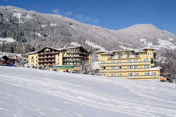 buitenkant-hotel-kohlerhof-fa-frac14gen-wintersport-interlodge.jpg