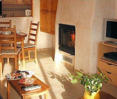 residence-chalets-du-bouquetin-open-haard-wintersport-frankrijk-ski-snowboard-raquettes-schneeschuhlaufen-langlaufen-wandelen-interlodge.jpg