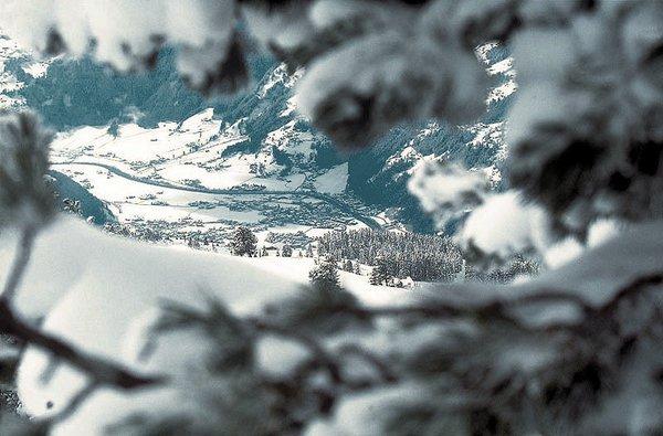 uitzicht-zell-am-ziller-zillertal-arena-wintersport-oostenrijk-ski-snowboard-raquette-schneeschuhlaufen-langlaufen-wandelen-interlodge.jpg