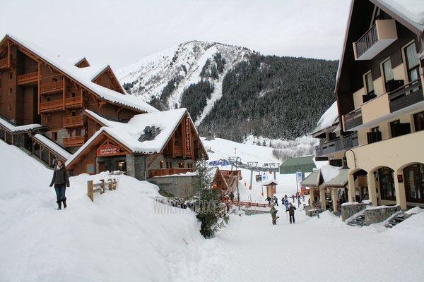 oz-en-oisans-grandes-rousses-wintersport-frankrijk-ski-snowboard-raquettes-langlauf-wandelen-interlodge.jpg