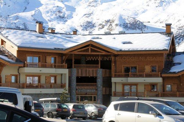 buitenkant-residence-les-clarines-les-menuires-les-trois-vallees-wintersport-frankrijk-ski-snowboard-raquettes-schneeschuhlaufen-langlaufen-wandelen-interlodge.jpg