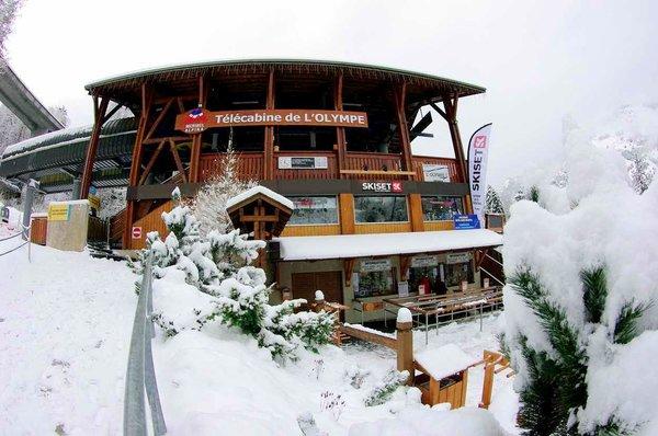 telecabine-olympe-brides-les-bains-les-trois-vallees-frankrijk-wintersport-ski-snowboard-raquettes-schneeschuhlaufen-langlaufen-wandelen-interlodge.jpg