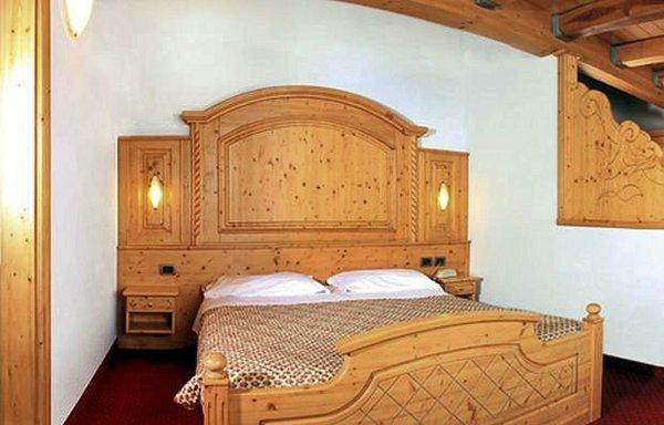 kamer-sporting-hotel-passo-tonale-wintersport-italie-ski-snowboard-raquettes-schneeschuhlaufen-langlaufen-wandelen-interlodge.jpg