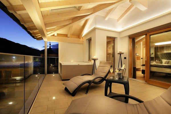 palace-hotel-ravelli-chalet-spa-suite-mezzana-skirama-dolomiti-wintersport-italie-interlodge.jpg