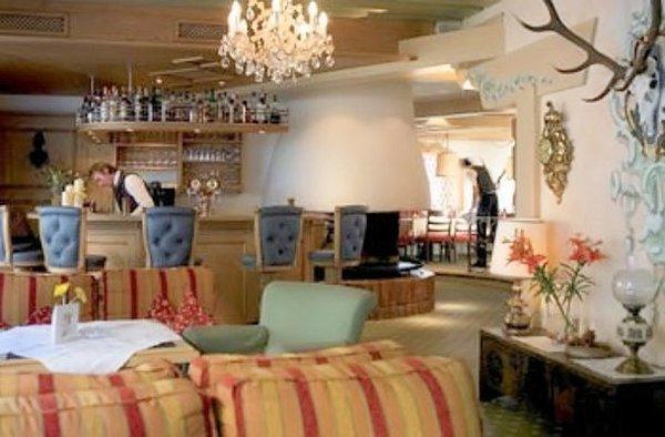 hotel-elisabeth-lounge-oostenrijk-wintersport-ski-snowboard-raquettes-schneeschuhlaufen-langlaufen-wandelen-interlodge.jpg