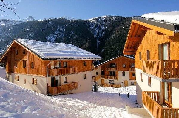 buitenkant-les-chalets-de-la-ramoure-valfrejus-frankrijk-wintersport-ski-snowboard-raquettes-schneeschuhlaufen-langlaufen-wandelen-interlodge.jpg